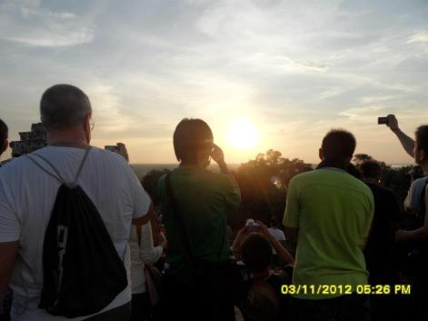 Sunset views from Bakheng Temple (Photo: Dyna Khuon, facebook)