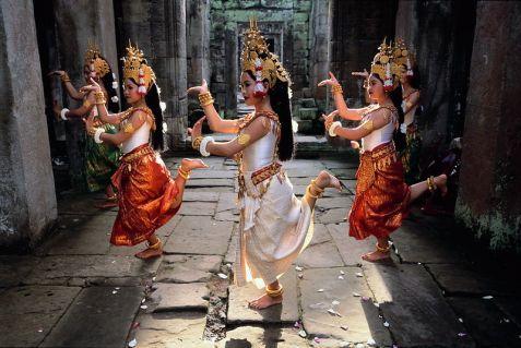 Khmer dancers